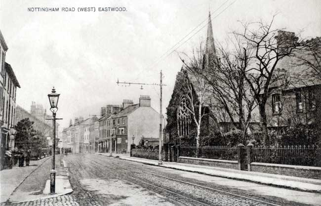 Nottingham Road (West), Eastwood in 1905. The Congregational Chapel is on the right.