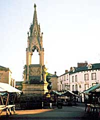 Bentinck Memorial: Erected to the memory of Lord George Bentinck, brother of the Fifth Duke of Portland. Stands in the middle of the Market Place (photo: Denis Hill).