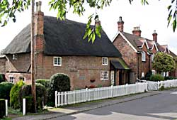 Cottages in Clifton (photograph: A Nicholson, 2004).